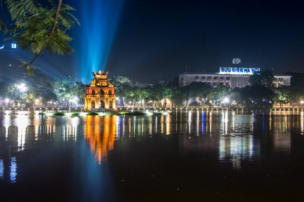 Dạo quanh ngắm cảnh Hồ Hoàn Kiếm – Hà Nội