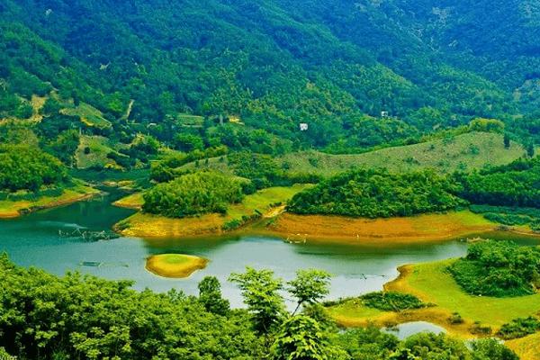 Vẻ đẹp nơi núi rừng của vùng đất Hòa Bình