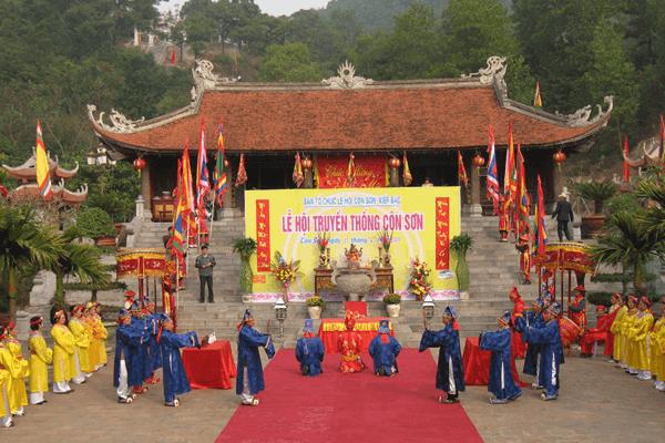 Lễ hội truyền thống Côn Sơn Kiếp Bạc