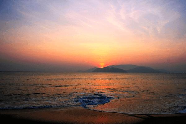 Thịnh Long là một bãi biển tuyển đẹp trải dài hơn 3 km. Ảnh st