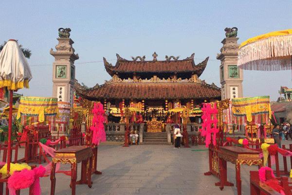 Quần thể di tích Phủ Dầy (Nam Định)