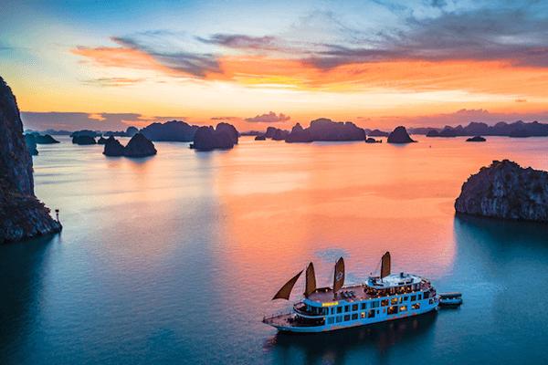 Hạ Long chính là niềm tự hào của du lịch Quảng Ninh