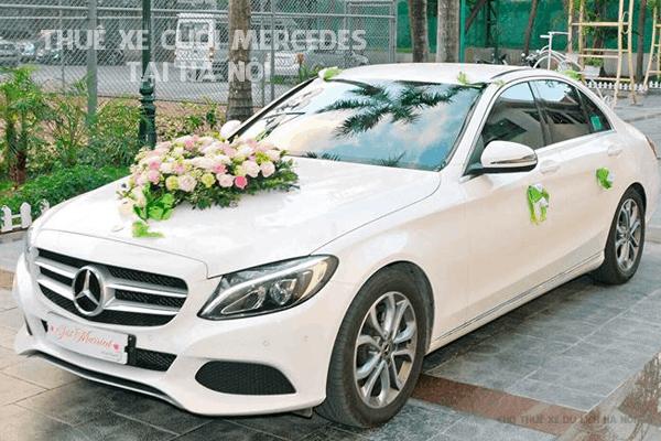 Chọn xe cưới để Mercedes Nắng Vàng cho ngày vu quy hoàn hảo