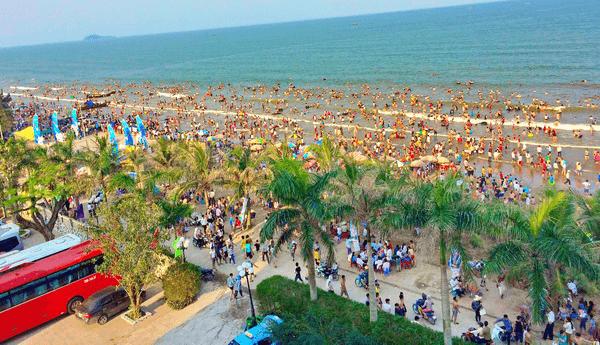 Mùa du lịch biển Hải Tiến