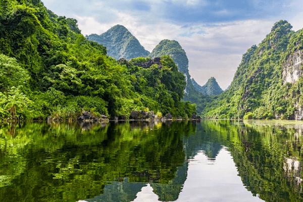 Tràng An là một khu du lịch đẹp nhất Ninh Bình