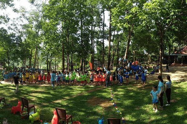 Sơn Tinh Camp là một địa điểm thu hút khách du lịch khi đến Đồng Mô