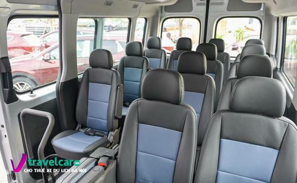Không gian và ghế ngồi sau