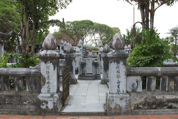khu lăng mộ Thánh Mẫu