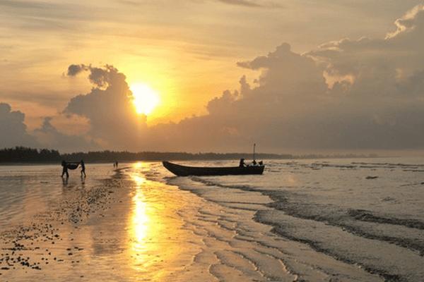 một trong những bãi biển đẹp của Việt Nam