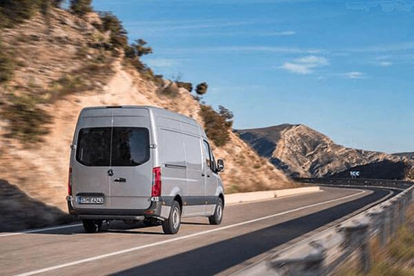 Sprinter 2019 sở hữu nhiều nâng cấp đáng giá về công nghệ. Ảnh st