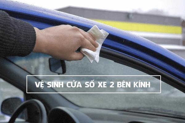 Vệ sinh cửa sổ xe
