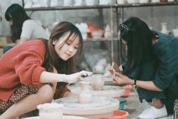 hành trình du lịch làng gốm Bát Tràng đầy thú vị và độc đáo