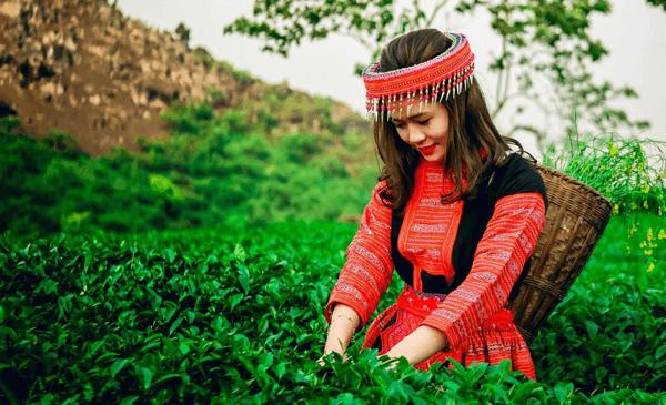 Bản sắc riêng của trang phục dân tộc truyền thống