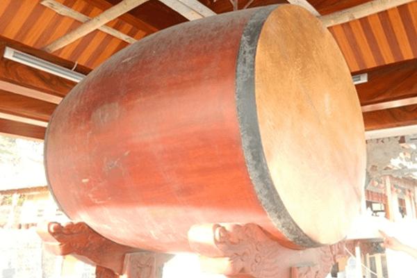 Ngôi chùa sở hữu chiếc trống độc mộc bằng gỗ đỏ lớn nhất Việt Nam