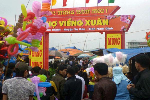 Đi chợ Viềng đầu năm