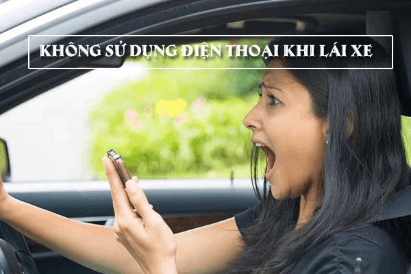Hành vi sử dụng điện thoại khi lái xe đặc biệt nguy hiểm đến ATGT