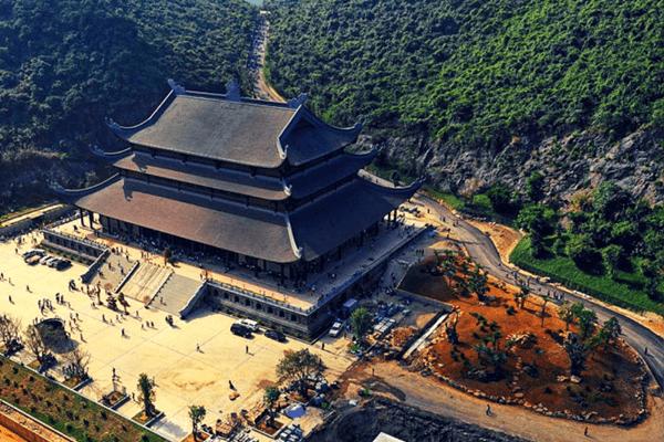 Quần thể văn hóa chùa Tam Chúc