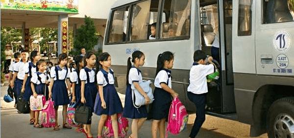 dịch vụ cho thuê xe đưa đón học sinh tham quan, du lịch